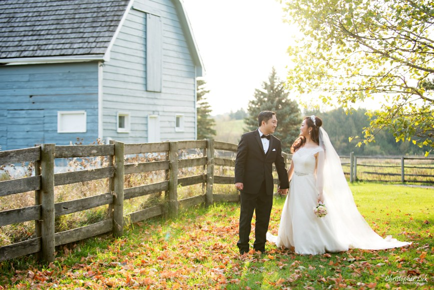 Angus Glen Golf Club Autumn Fall Markham Wedding - Bride Groom Creative Relaxed Portrait Session Photojournalistic Natural Candid Posed Sunset Golden Hour Kleinfeld White Bridal Gown Blue Historic Farmhouse Farm Barn
