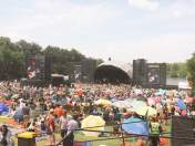 the crowd at The Lumineers show