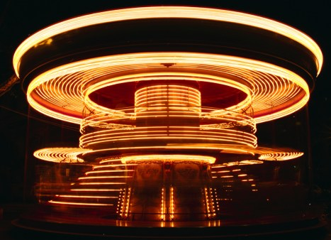 f-30-moving-carousel-1