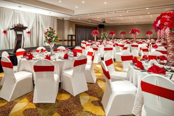 Interior-Photography-Holiday-Inn-Atrium-Hotel-Singapore-Changi-Ballroom-Red-Wedding-Setup