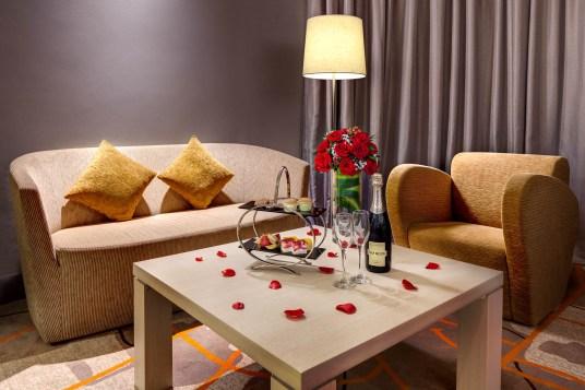 Interior-Photography-Holiday-Inn-Atrium-Hotel-Singapore-Wedding-Suite-Lounge