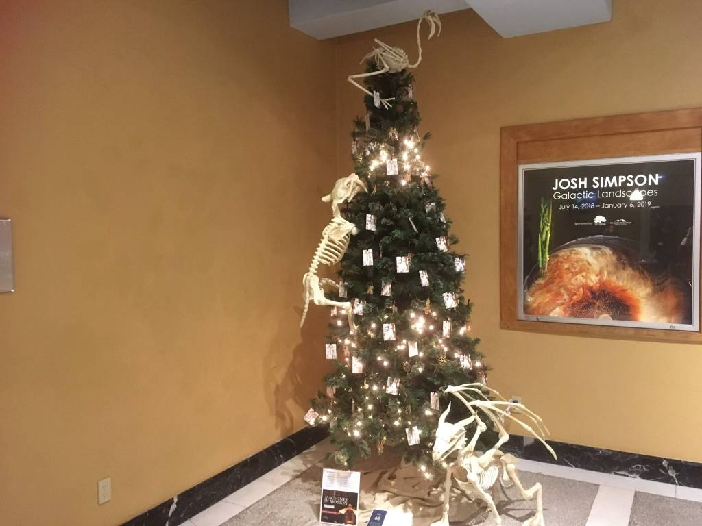 Dinos on the tree? Perfect at a museum!