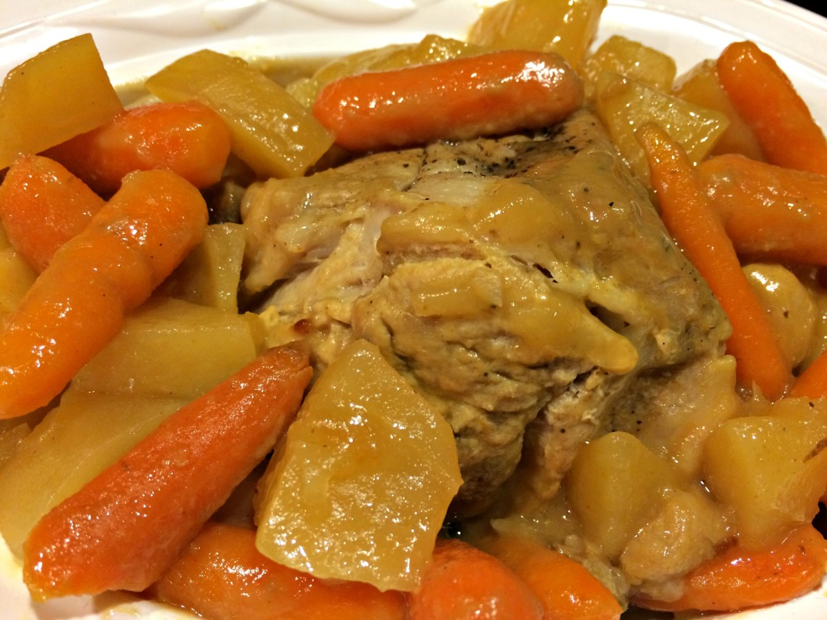 Slow Cooker Pork Roast with Carrots and Potatoes