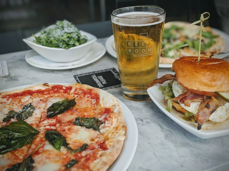 edmonton rec room yeg lunch blog review
