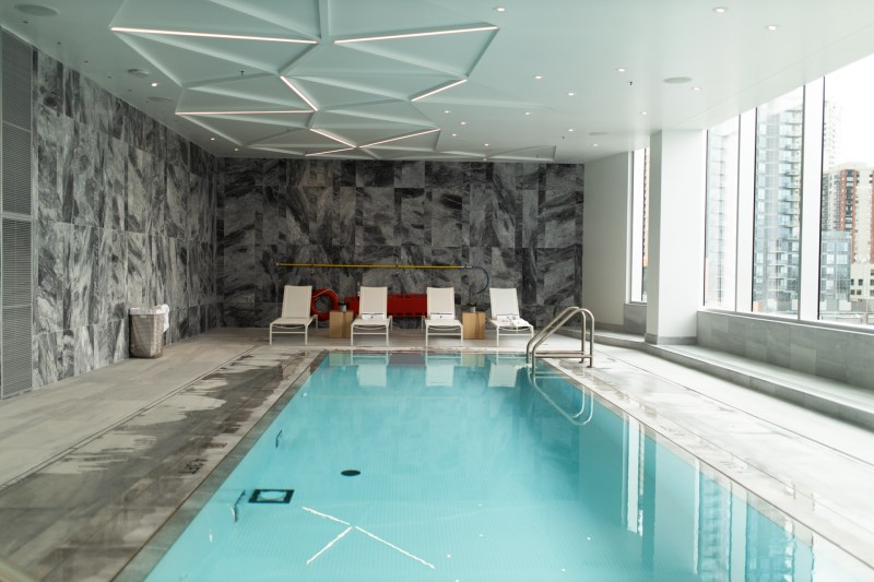 yeg edmonton hotel marriott luxury heated pool
