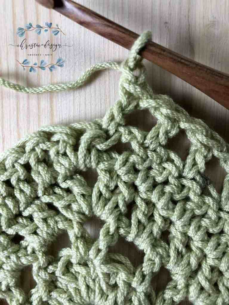 picture of shawl tutorial before center