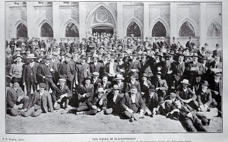 Photo of Striking slaughtermen outside the Supreme Court, Christchurch [1907]