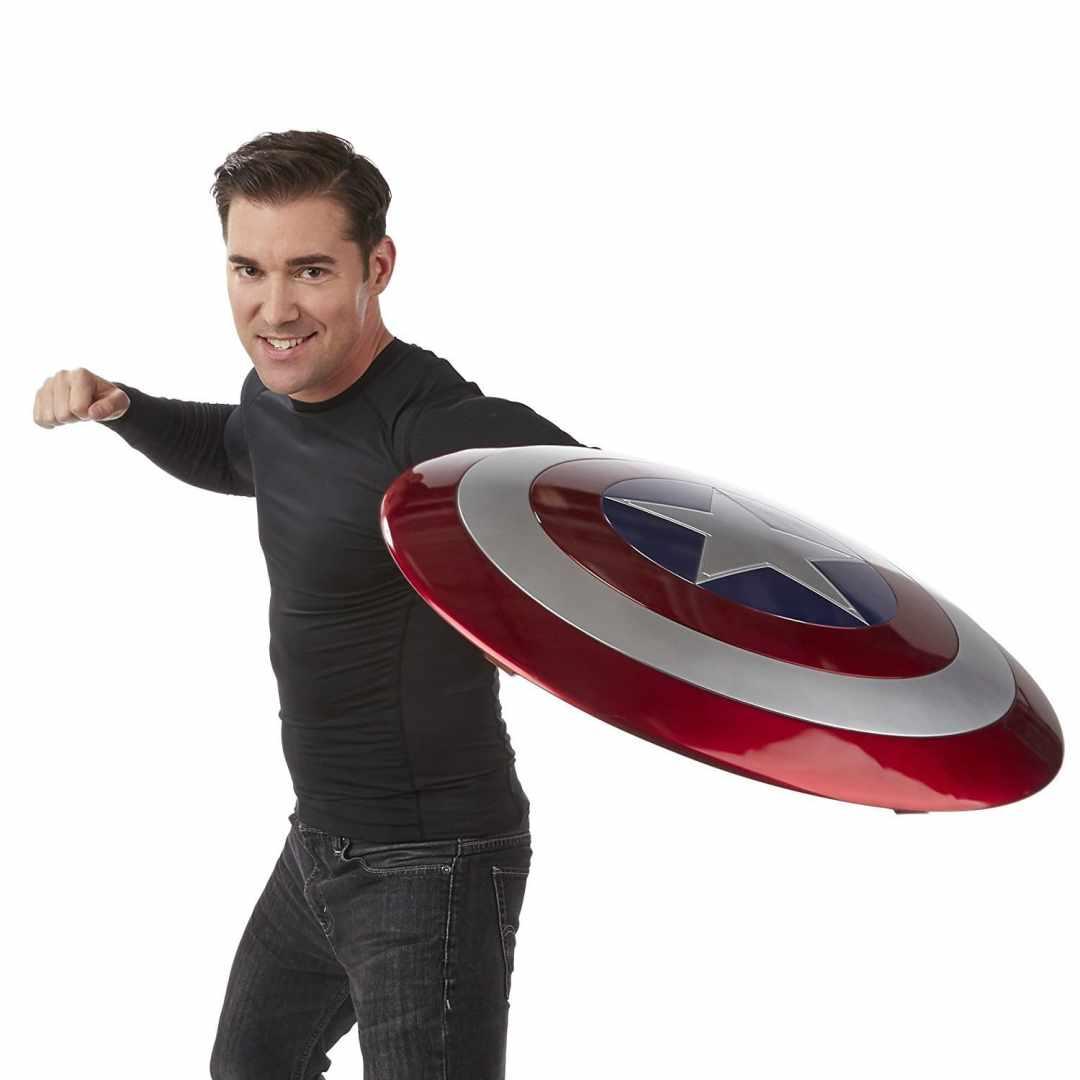 image article Look Avengers bouclier Captain America 3