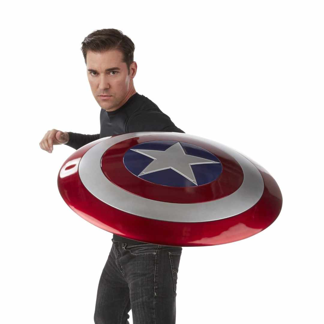 image article Look Avengers bouclier Captain America 5