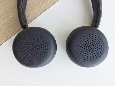 image test du casque bluetooth et pliable d'aukey avec microphone intégré 5