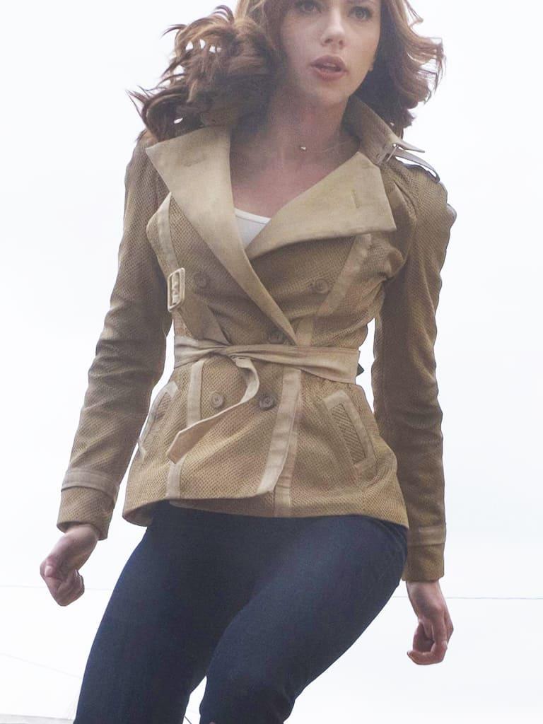 image Arborer le look de (Black Widow) Natasha Romanoff en jeans J Brand 5