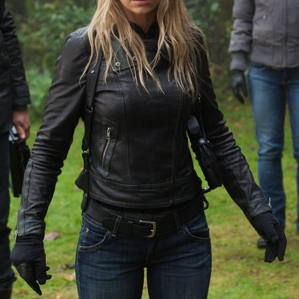 image Look de Olivia Dunham dans la série Fringe 2