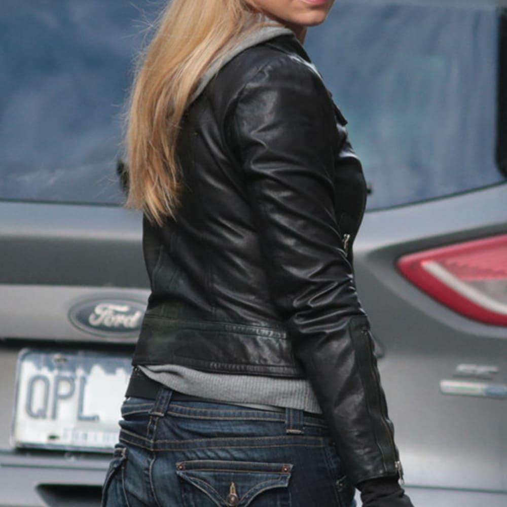image Look de Olivia Dunham dans la série Fringe 3