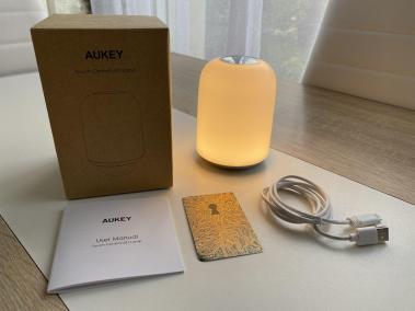 image Test de la lampe de chevet RGB avec batterie intégrée de chez Aukey 4