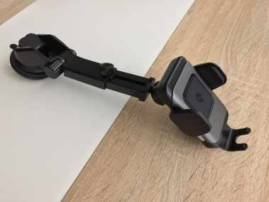 image Test d'un support de smartphone pour voiture avec chargeur sans fil 6