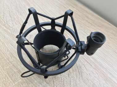 image Test du kit microphone et support de microphone à bras ciseaux Aukey 5