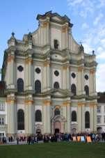 Kloster Fürstenfeld: Im ehemaligen Zisterzienserkloster fanden u. a. der Eröffnungs- und der Schlussgottesdienst des Ökumenischen Kirchentags statt. Foto: Deschauer