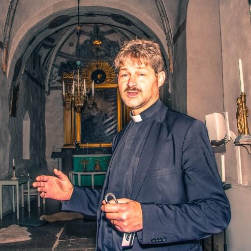 Anders Gezelius Hägglund i en kyrka