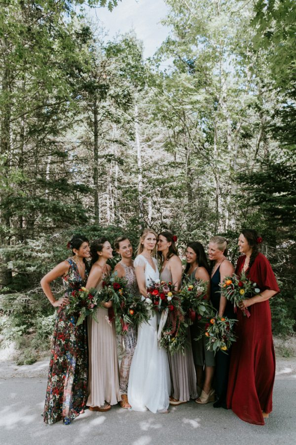 naturally-boho-maine-wedding-at-the-lookout-11-600x900
