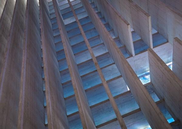 Ein Detail des Daches der Alten Kongresshalle in Berlin