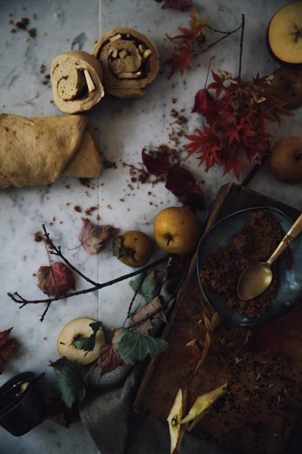 spiced-autumn-cinnamon-rolls-photography-styling-recipe-by-christiann-koepke-of-christiannkoepke-com-9