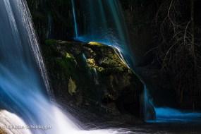 Fels im Wasserfall Fischebach