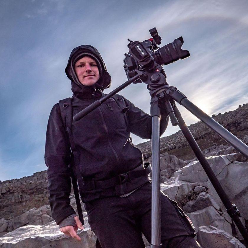 Kameramann Leipzig - Christian Scheunert. Zu sehen bei einem Dokumentarfilm in Island.