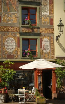 The Fuchshoehle - a beautiful old building with a delicatessen store run by friends of mine ...