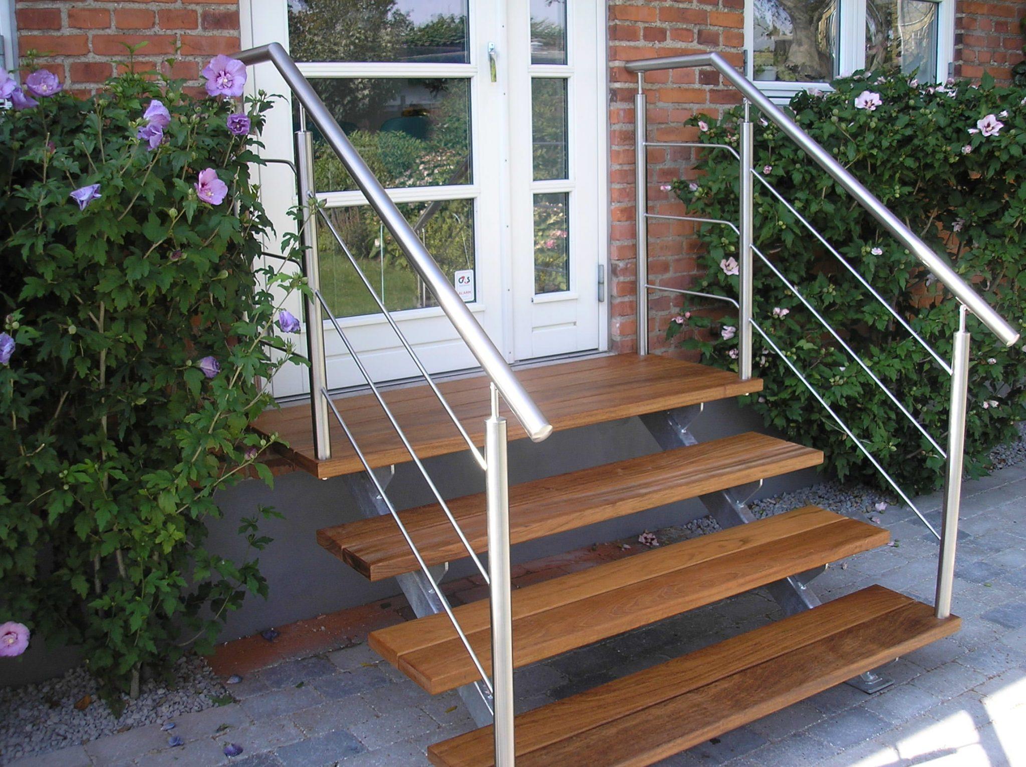 Terrasse Med Trappe Til Have Christian Steel Design Er Alt I Stal