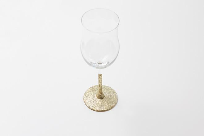 Glas mit Glitzer verschönern