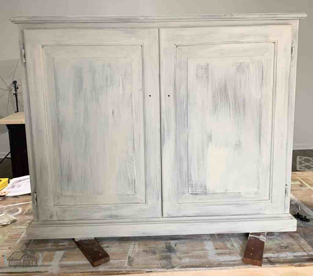 Kitchen cabinet painted in Dixie Belle Drop Cloth one coat.
