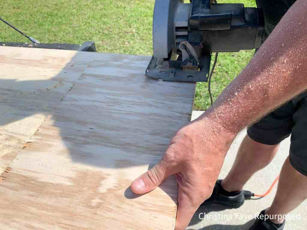 Sawing plywood pieces