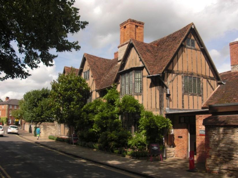 Stratford_halls-croft-179422_1920