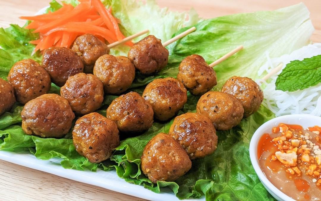 Boulettes de porc à la vietnamienne (nem nuong)