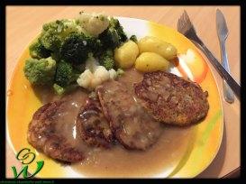 Polenta-Puffer-mit-Gemüse