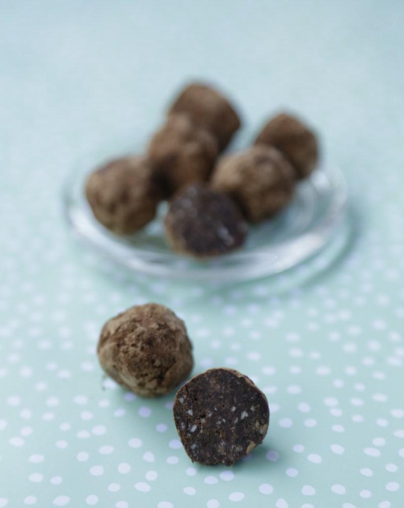 Abrikoskugler raw chokokugler sundt sødt christinebonde blog