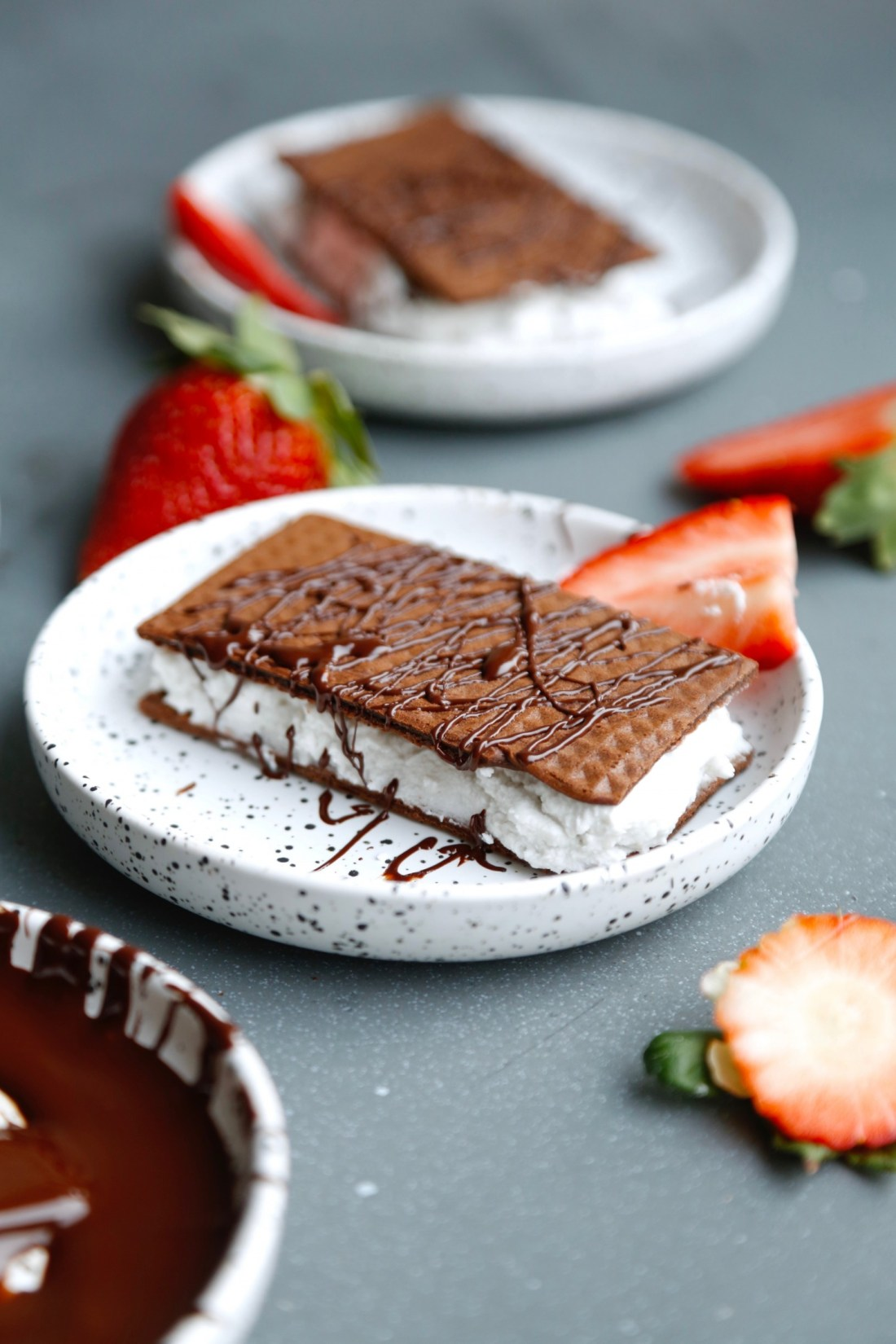 vaffelsandwich-chokoladevafler-med-kokosskum-ala-maelkesnitte-3