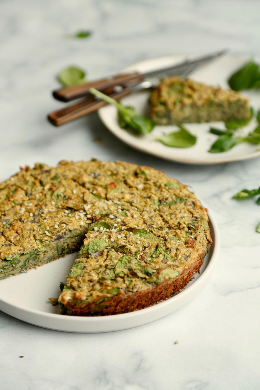 vegansk-taerte-med-blomkaal-og-spinat-glutenfri-1