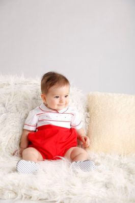 05.This nautical outfit will make waves for the little boy on his first party
