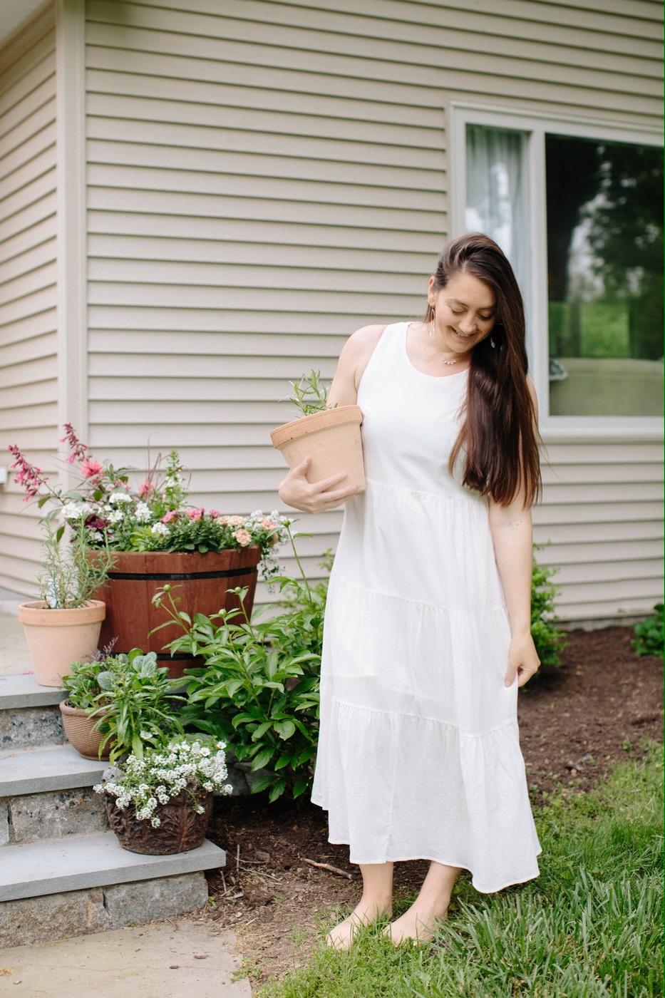Christine Covino, lifestyle blogger wearing summer dress