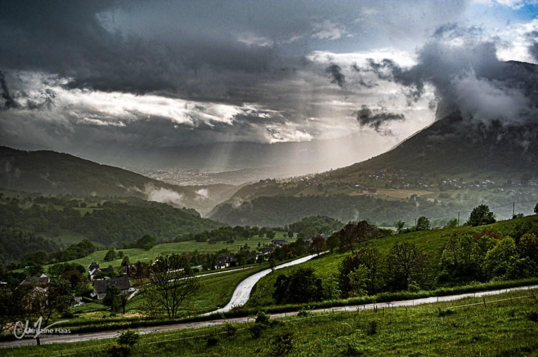 Le mauvais temps au dessus de Chambéry. Photo par Christine Haas