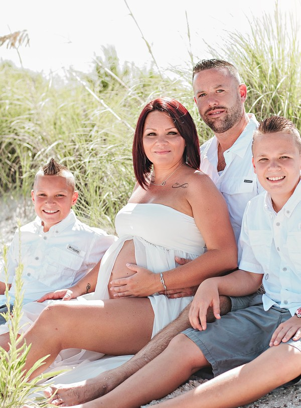 Apollo Beach Maternity Session| Plant City Family Photographer | Family Portraits