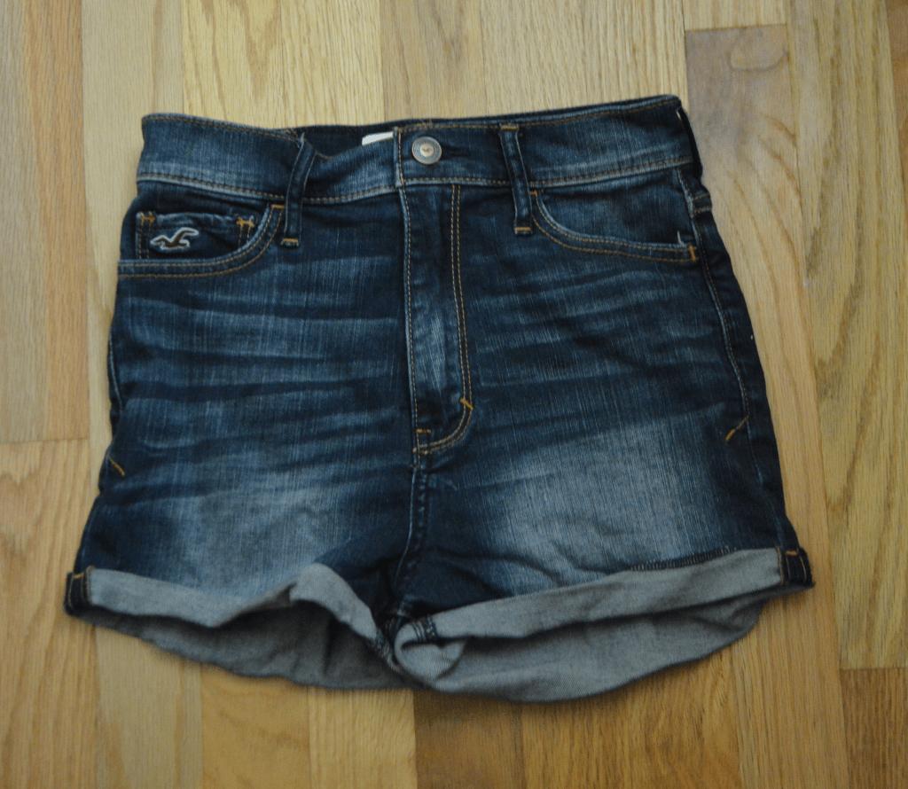 Natural waist shorts