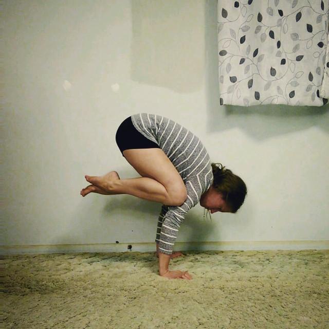 journey to handstand week 3 yoga challenge christine robyn