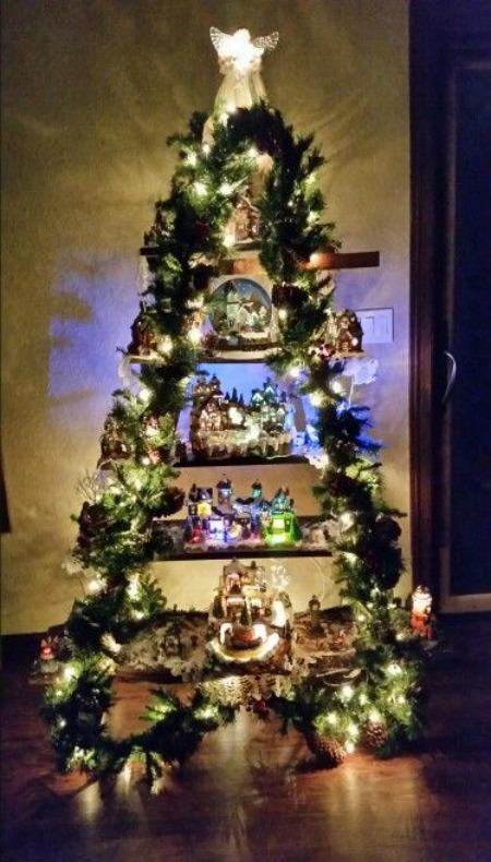 Christmas Light Wall Hanging