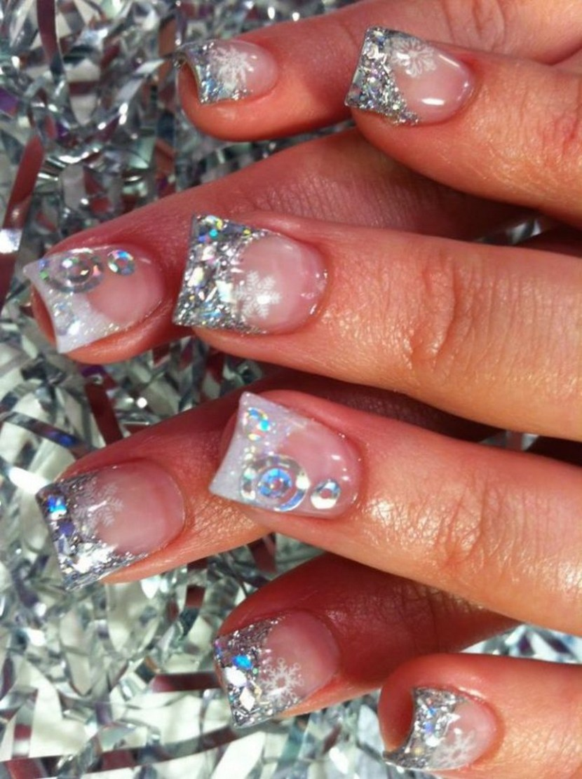 Glitter nail designs using glitter nail polish or glitter dust - 30 Festive Christmas Acrylic Nail Designs – Christmas Photos