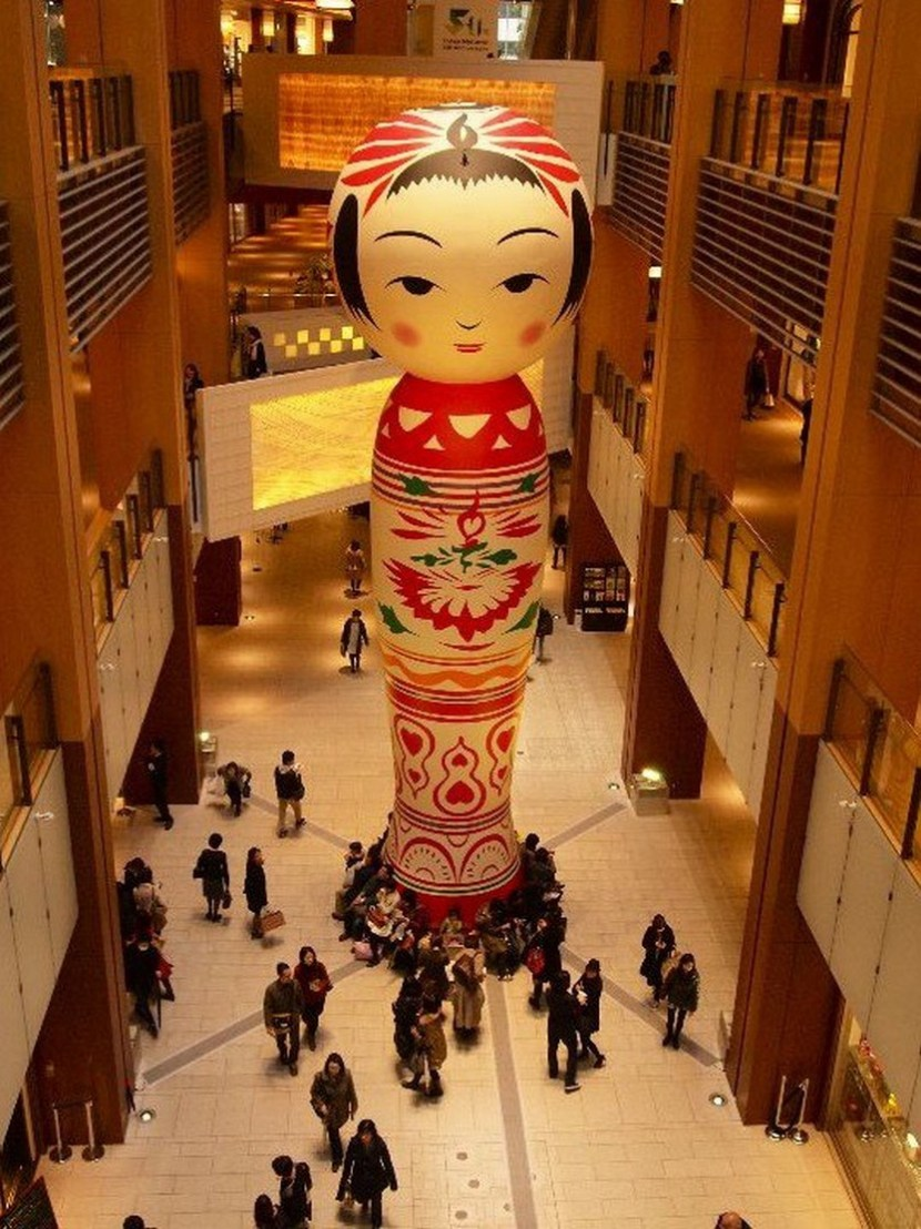 Giant Kokeshi Doll 'Hanako' at Roppongi Art Night, Tokyo, Japan…and yes, we know it's hard to fit under the Christmas tree…