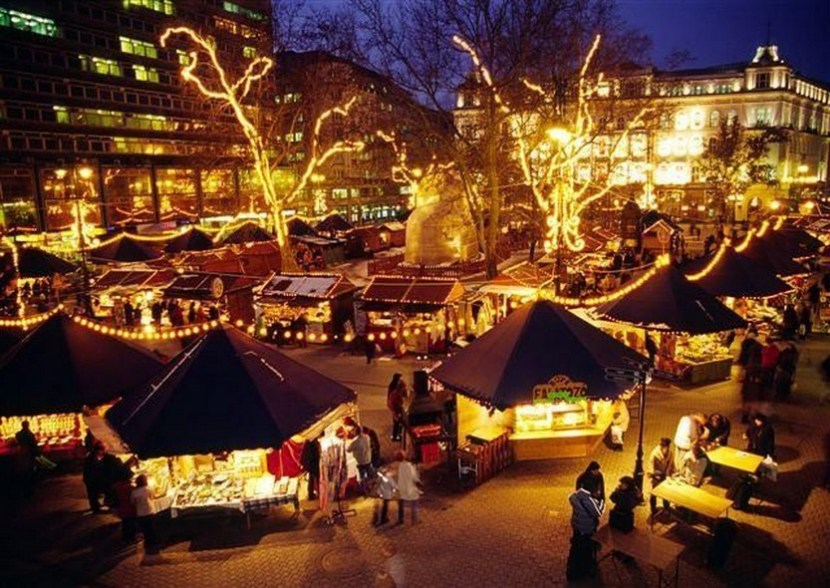 Budapest Christmas Fair in Vörösmarty Square starts at the end November