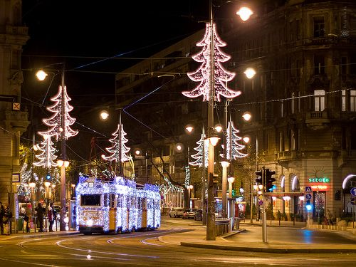 christmas-light-tram-at-szent-gellrt-square-budapest-hungar