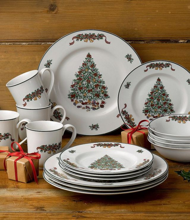Johnson Brothers Victorian Christmas Dinnerware Set